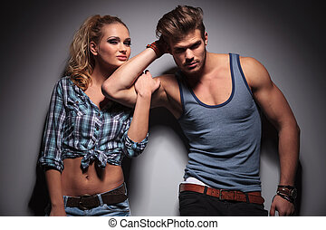 biceps, haar, boyfriend, zijn, vrouwenholding