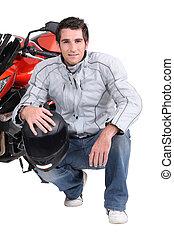 bicicleta, ajoelhando, motor, homem