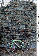 bicicleta, contra, pared
