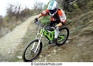 bicicleta montaña, joven, equitación