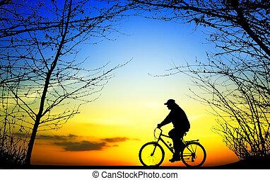 bicicleta, viagem, em, pôr do sol