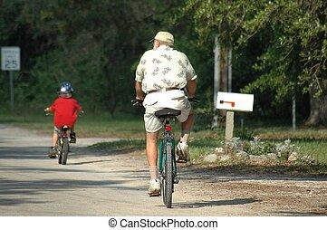 biciclette passeggiare