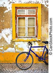 bicikli, ablak