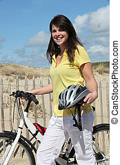 bicikli, nő, tengerpart, fiatal