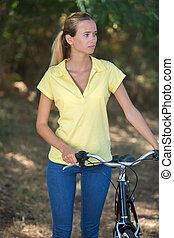 bicikli, rámenős, liget
