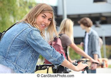 bicikli, tizenéves