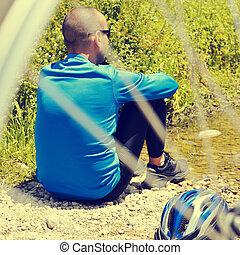 biciklista, kelet, kinyerés, néhány, maradék, szűr, retro, folyóparti