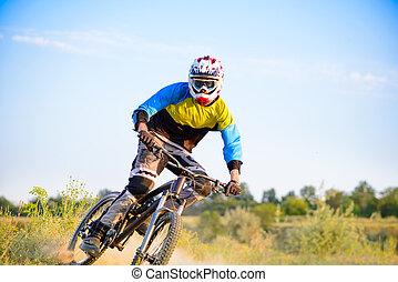 biciklista, lovaglás, a, hegy bicikli, képben látható, a, nyom