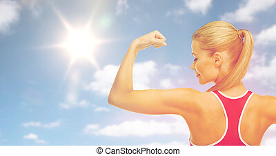 bicipite, donna, sportivo, sole, sopra, cielo, esposizione, felice