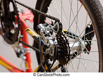 Bicycle chain and sprockets