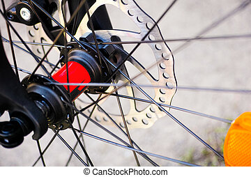 Bicycle wheel with disk brakes