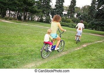 bicycles, család