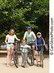 bicycles, dzieciaki, rodzice