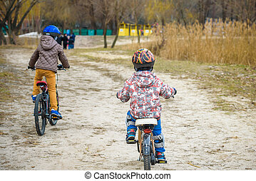 bicycles, park, rodzina