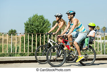 bicycles, rodzina, podróżowanie, cztery