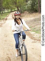 bicyclette voyageant, femme, parc