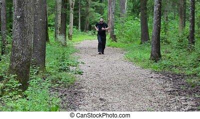 biegacz, ślady, podsercowy, ból, las