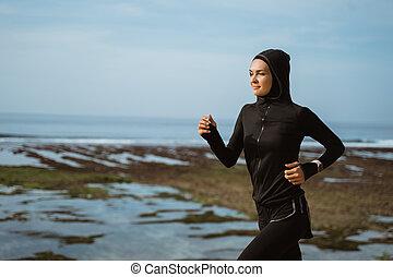 biegacz, kobieta, pozadomowa zabawa, muslim
