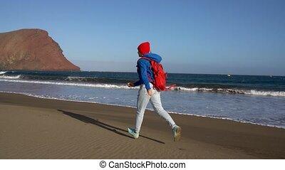 biegnie, kobieta, kroki, młody, kanarek, kaukaski, ...