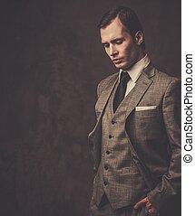 bien-habillé, homme, gris, complet