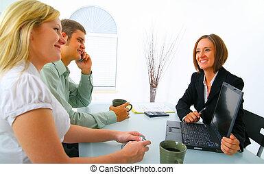 bienes raíces, actuación, clientes, corredor, potencial,...