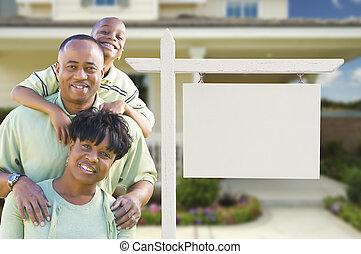 bienes raíces, familia , blanco, house., señal, norteamericano, africano, frente, nuevo