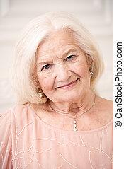 bienestar, mujer mayor