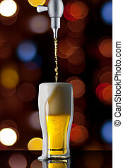bier, gießen, in, glas