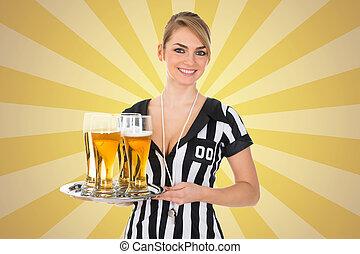 bier, scheidsrechter, blad, vasthouden, vrouwlijk