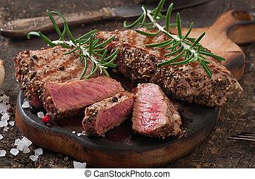 bife, médio raro, suculento, carne