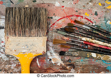 big and small paint brushes