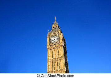 Big Ben against deep blue sky