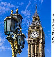 Big Ben and street light - Portrait color photo of Big Ben...