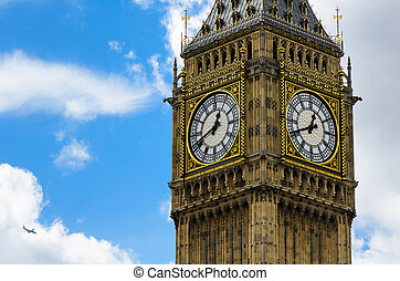 Big Ben close-up with clouds
