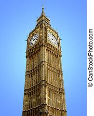 Big Ben from below