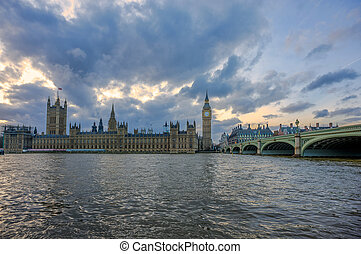 Big Ben House of Parliament and cloudy sunset