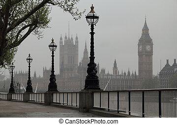 Big Ben & Houses of Parliament