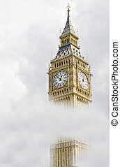 Big Ben in a cloudy day