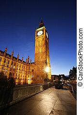 Big Ben, Palace of Westminster, seen from Westminster Bridge...