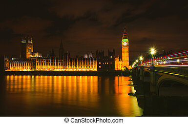 big ben, por la noche, londres, uk.