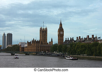 Big Ben, Queen Elizabeth Tower and Wesminster Bridge