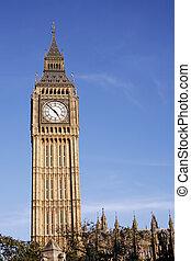 Big Ben seen from Pariament Square