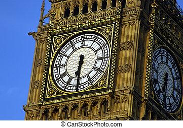 Big Ben - Close up shot of Big Ben during summer in London