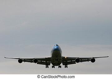 big Bird - 747 landing