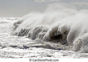 Big breaking waves