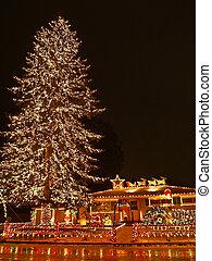 Big Christmas Tree 2