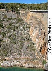 Big dam wall in Bimont park