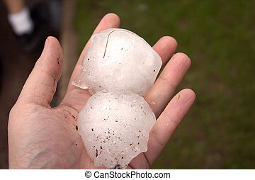 Big Hail - Baseball sized hail fell on Wisconsin Rapids on ...