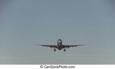 Big jet overhead