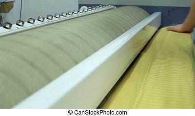 Big mangle in use - Big mangle ironing a bedding